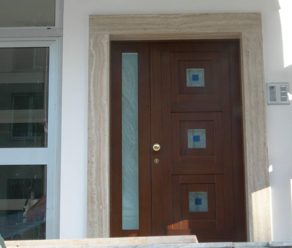 Prisma serramenti showroom a grottammare esposizione e - Portoncini ingresso legno alluminio prezzi ...